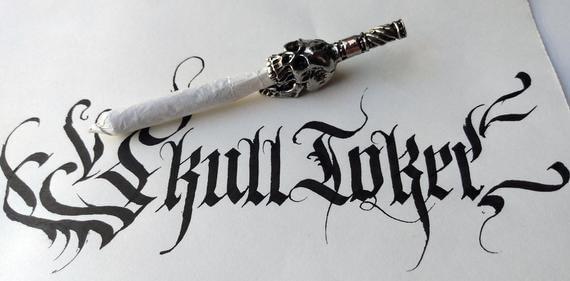 Skull Toker, a Joint Holder